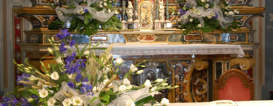 Santuario Stezzano con delphinium, lisianthus e spighe