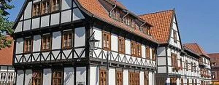 Beispiel: Vorderansicht, Foto: Hoffmannhaus Fallersleben.