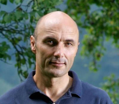 Beispiel: Freier Theologe, Foto: Lukas Niederberger.