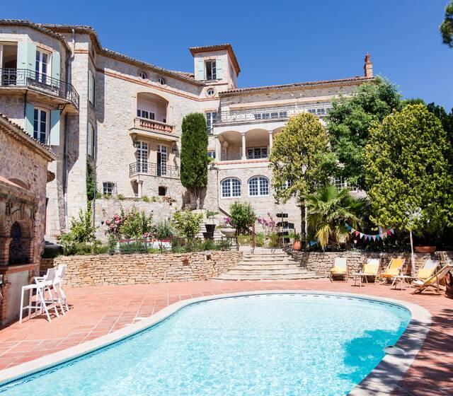 La piscine et le Chateau