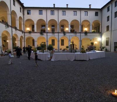 12 Monaci