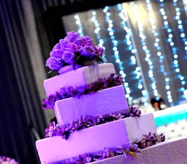 Torta Maqueta de Novia con flores Naturales