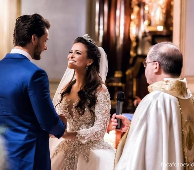 Foca • Casamento de Kamilla e Eliéser na Capela da PUC