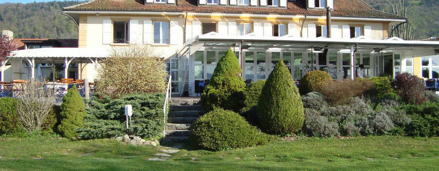 Beispiel: Außenansicht, Foto: Hôtel Jean-Jacques Rousseau.