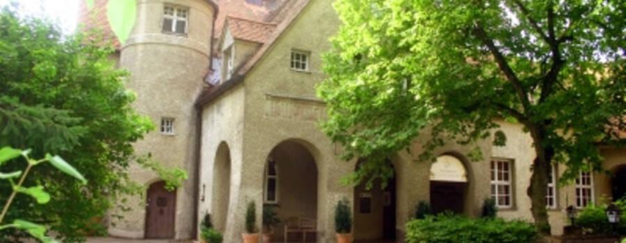 Beispiel: Außenansicht, Foto: Waldrestaurant Schiesshaus.