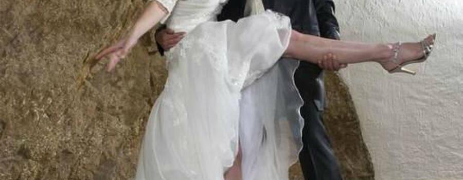 Beispiel: Hochzeitskleider, Foto: Traut euch Brautsalon.