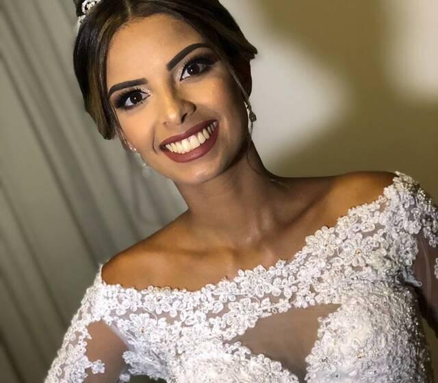 Julia Carra - Maquiagem e Penteado