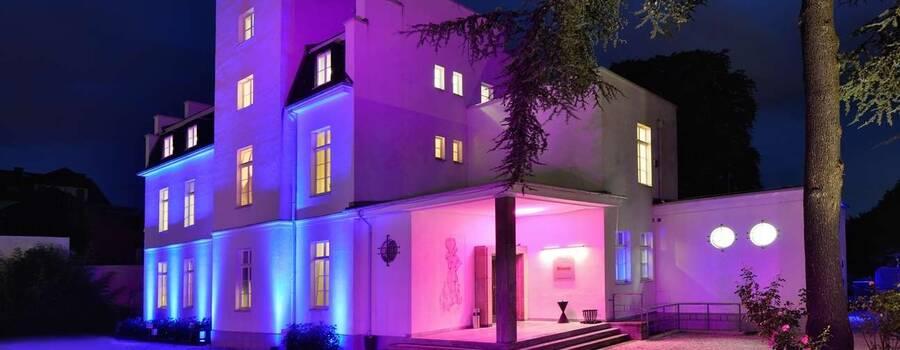 Sie haben ihn endlich gefunden: Den schönsten Ort für Ihre Hochzeit – Herzlich Willkommen in der VILLA LEONHART!