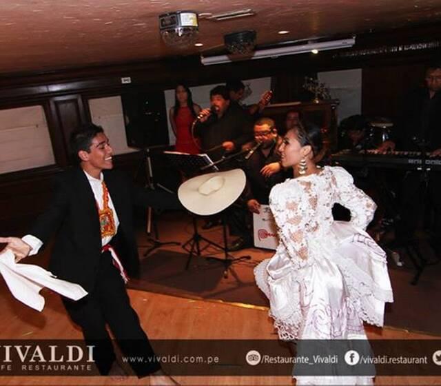 #SONDELPERU Orquesta  Música Peruana e Internacional  Marco Musical para danzas Contactos 921216423 sondelperuorquesta@gmail.com https://www.facebook.com/SONDELPERUORQUESTA/ https://www.facebook.com/ALEJANDROSOTOCH   Pausar -4:01 Configuración visual adicionalIr a reproducción con opción de desplazamientoHaz clic para ampliarReactivar