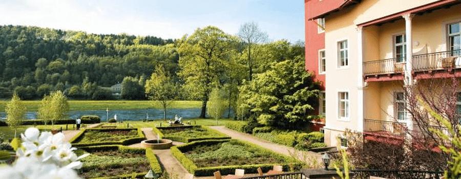 Hübsche Gartenterrasse mit Elbblick, Foto: Parkhotel Bad Schandau