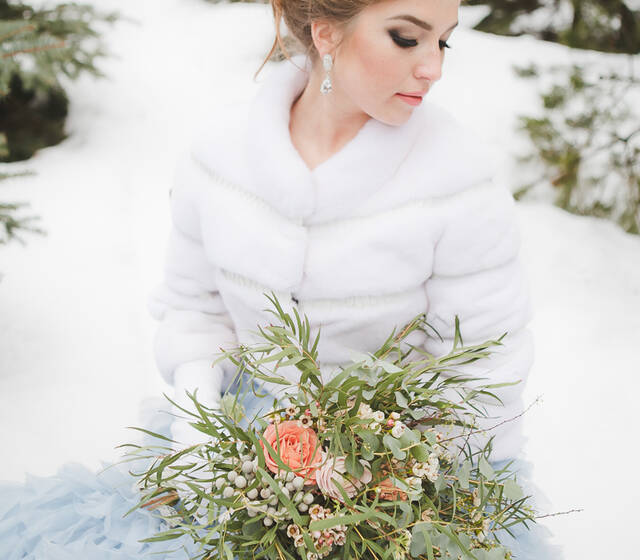Свадьба осень, весной и зимой: меховая норковая шубка напрокат для невесты