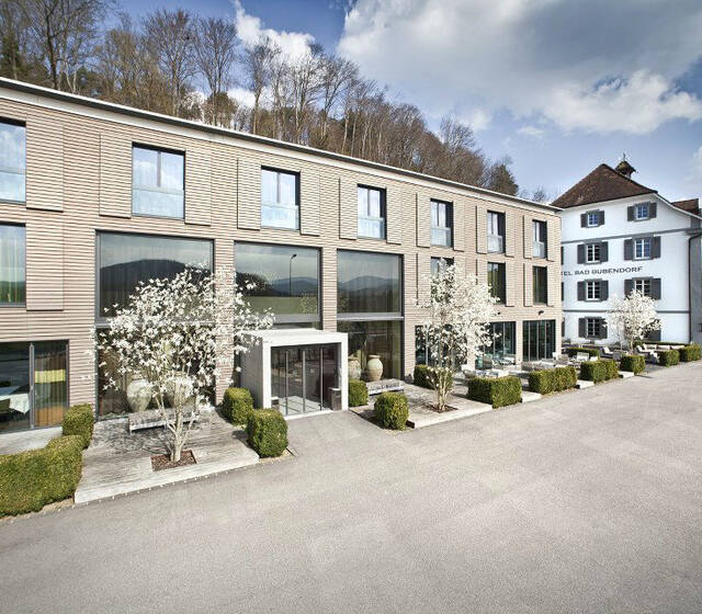 Aussenansicht Historic und Erweiterungsbau Design, Foto: Hotel Bad Bubendorf.