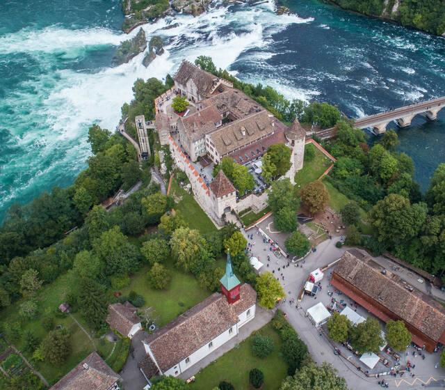 Gesamtansicht Schloss Laufen