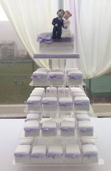 Torre de minicakes