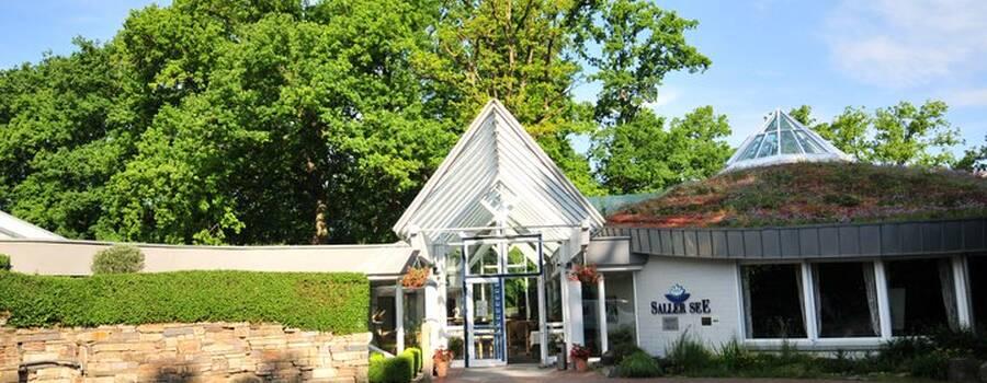 Beispiel: Außenansicht, Foto: AKZENT Hotel Saller See.