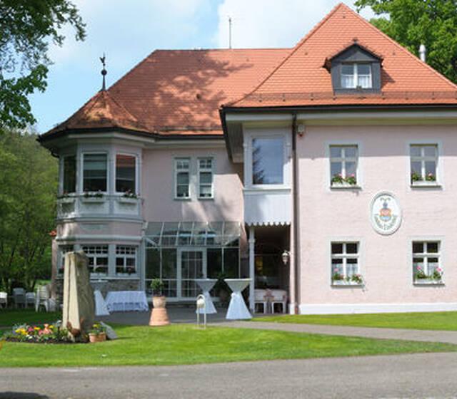 Beispiel: Außenansicht, Foto: Landhaus Lindenhof.