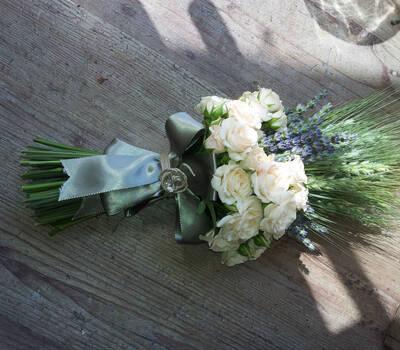 L'Angolo Fiorito, Curno (Bg): bouquet rustico #Fiorista #matrimonio #Bergamo