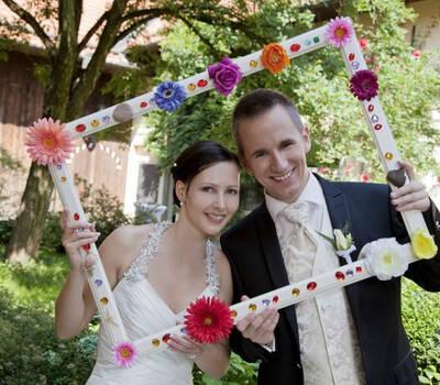 Beispiel: Brautpaar, Foto: Be4u.