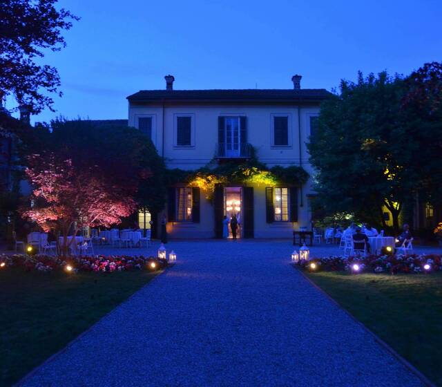 Villa Negri in notturna