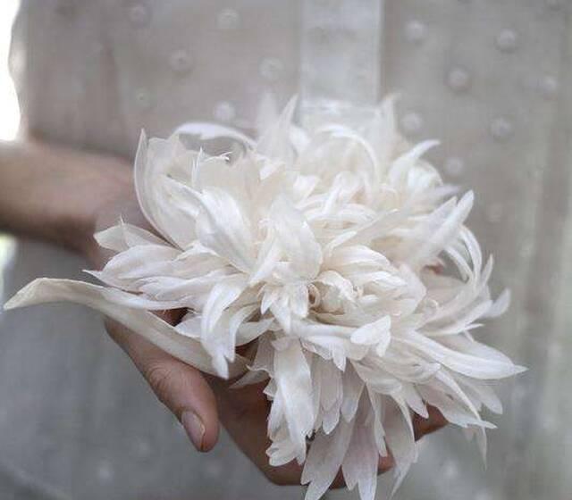 Fleur en soie Grandiflorum. Photographie © Laetitia Paillé