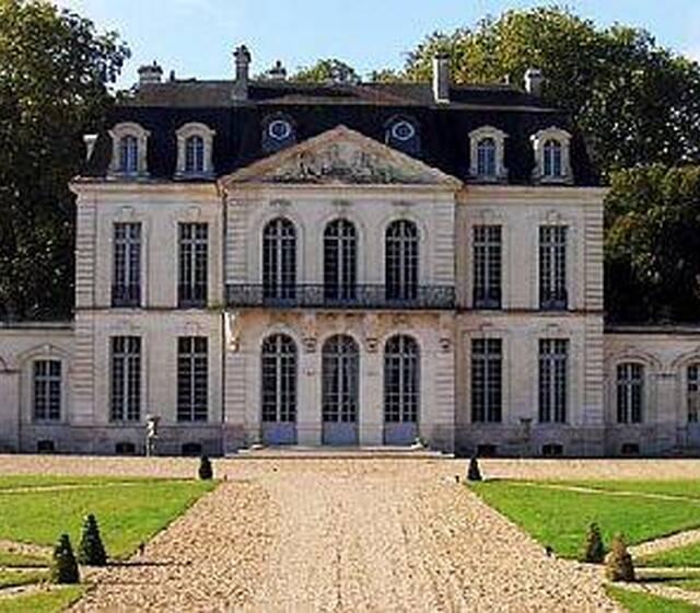 © Le Château des Ormes