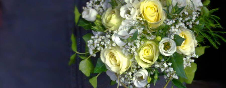 Beispiel: Professionelle Hochzeitsfloristik, Foto: Blumen Biene.