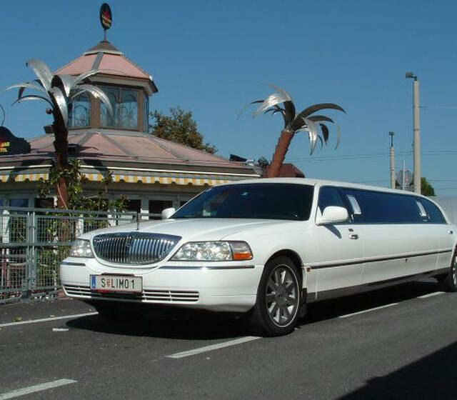 "Foto: Limousine von ""Amadeus Limousine"""