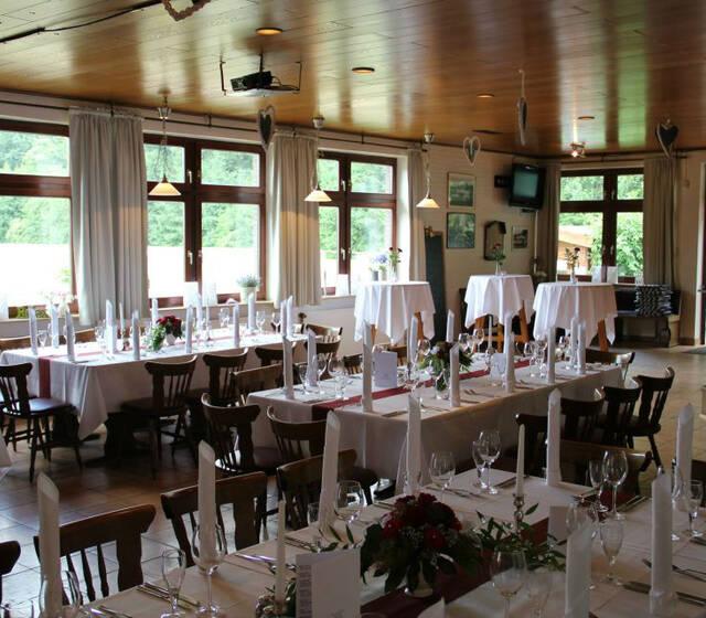 Beispiel: Innenraum - Bankett, Foto: Clubhaus Bramfelder SV.