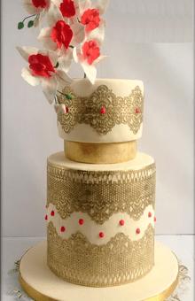 Torta de Boda Dorada con Orquídeas