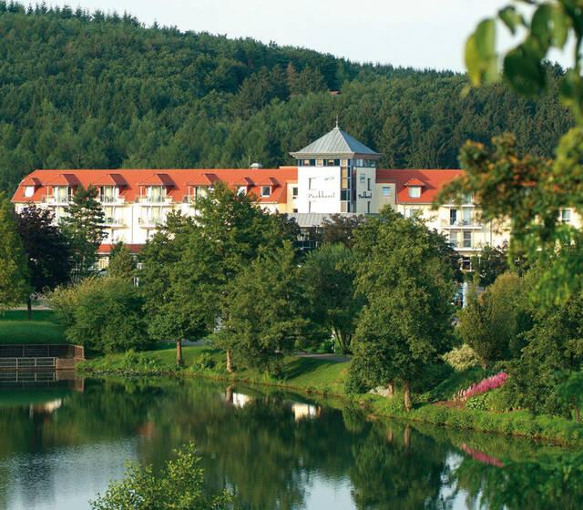 Außenansicht des Hotels, Foto: Parkhotel Weiskirchen.