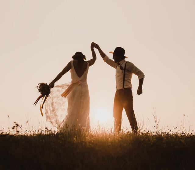 Beispiel: Einzigartige Hochzeitsfotos Foto: bella & bandit photography