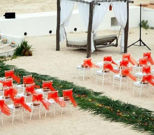 Vista preliminar de boda en la playa