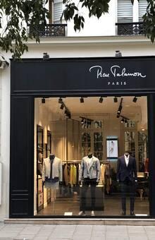 la boutique parisienne, située 15 rue du Temple, Paris 4ème