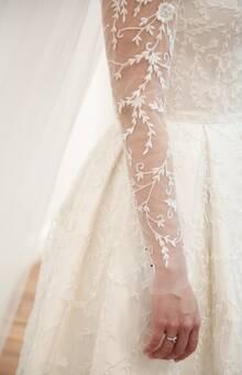 vestido bordado em linha