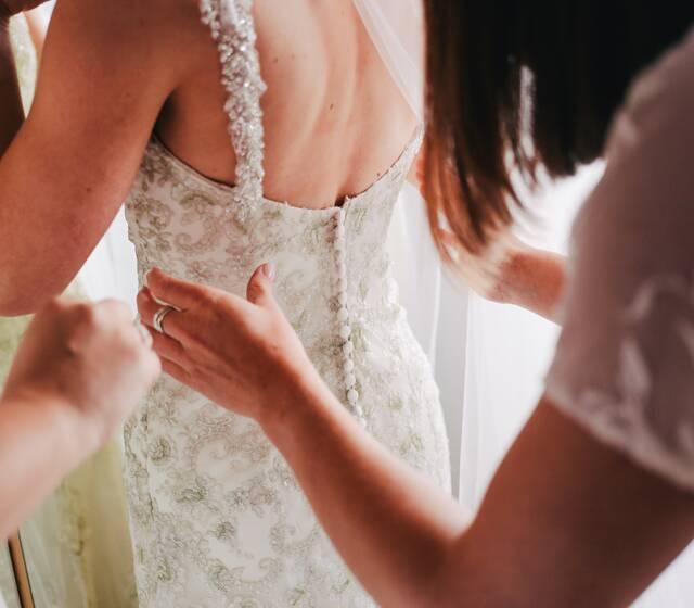 Luce espectacular en la talla del vestido