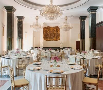 Salón Albéniz. Con capacidad hasta 160 invitados.