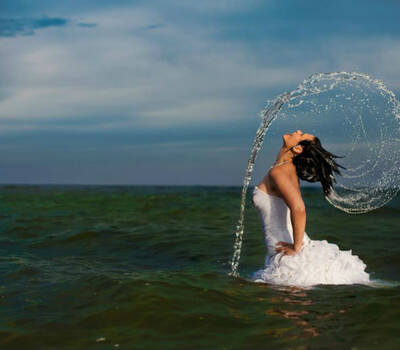 Beispiel: Trash the Dress-Shooting, Foto: Alex Jidovu.
