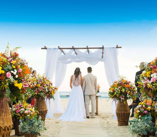 O mais lindos casamentos na praia no Rio de Janeiro - RJ