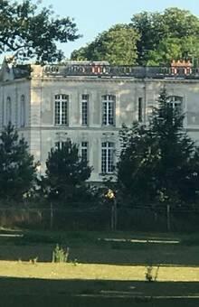 Vue de profil - Château Bouret