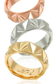 Wedding bands in yellow, white and rose gold