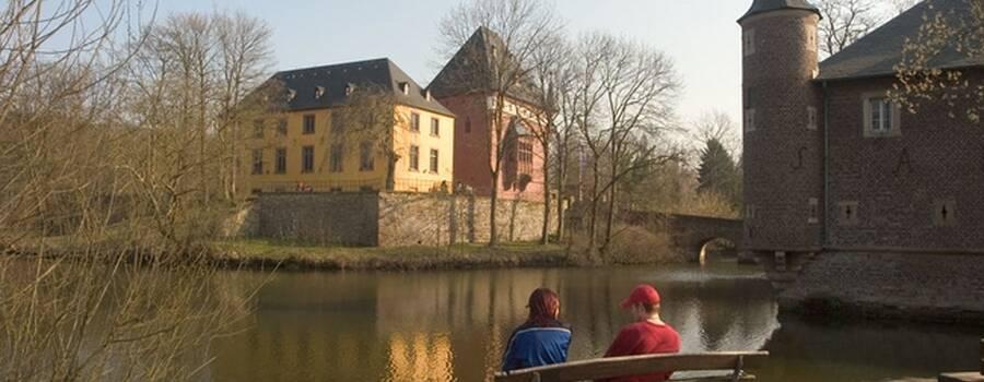 Beispiel: Außenansicht, Foto: Schloss Burgau.
