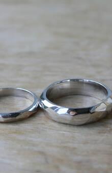 """кольца """"грани"""" в белом золоте глянцевые"""