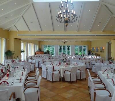 Beispiel: Gesamter Festsaal, Foto: Restaurant Leuchtturm.