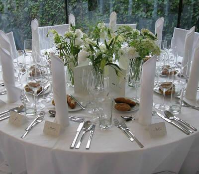 Beispiel: Hochzeitsgedeck, Foto: Cateringkultur.