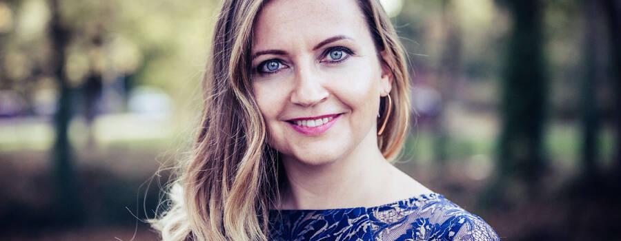 Hochzeitsmoderatorin Helene Ott