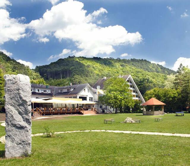 Beispiel: Außenansicht, Foto: Hotel Krainerhütte.