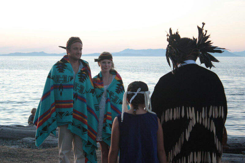 5._Nanaimo_Beach_Wedding.jpg