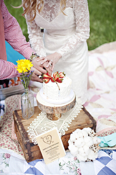Torta Matrimonio Rustico : Un idea alternativa picnic per matrimonio rustico chic