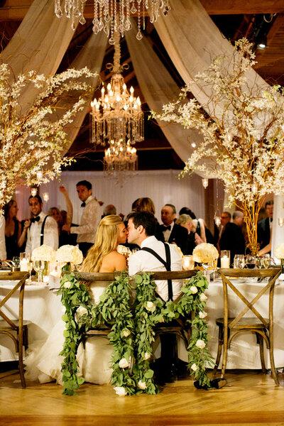 Guirnaldas de flores para decorar tu matrimonio ideas - Decorar tu boda ...