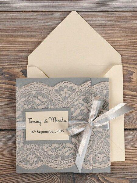 Hochzeitseinladungen im vintage stil for Hochzeitseinladungen vintage mit spitze